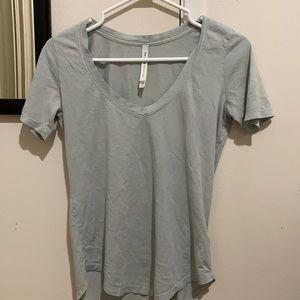 Tops - 3 for $20 🥰 Babaton t shirt